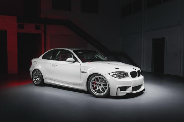 Заряженная единичка BMW